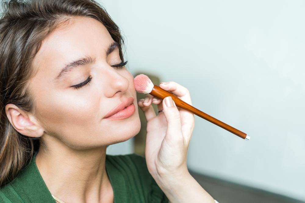 Jak wybrać pędzle do makijażu