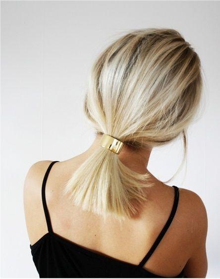 Blond włosy z kucykiem