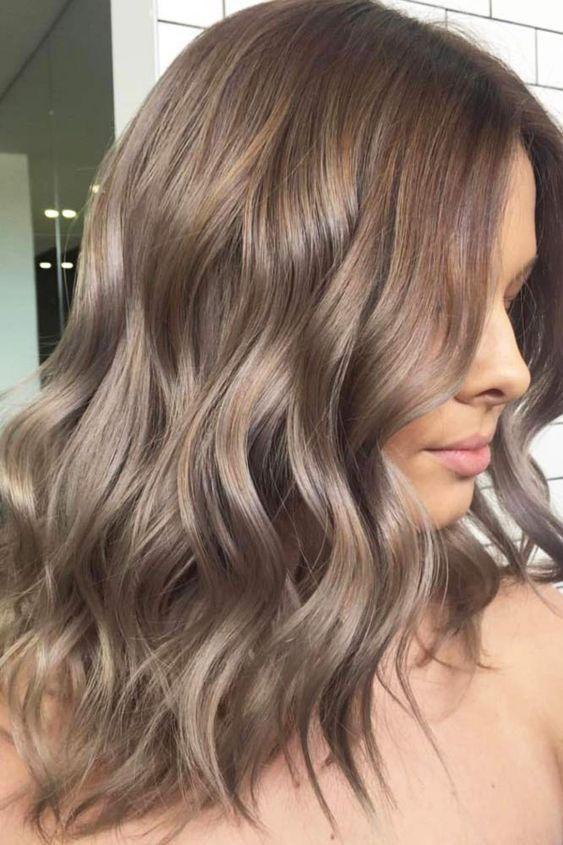 Trendy włosy do ramion