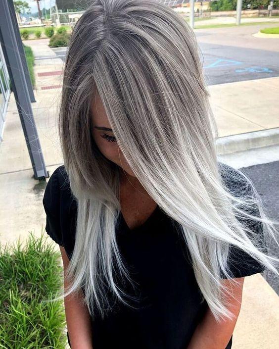 Pasemka z szarymi włosami