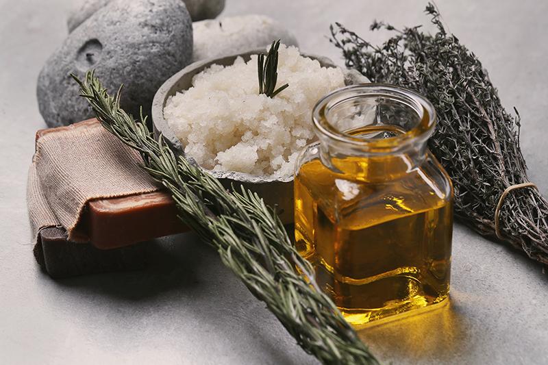 Rozmaryn w kosmetyce i medycynie naturalnej